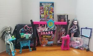 Huge-Monster-High-Lot-Play-Set-Dolls-Blu-ray-DVD-Bag-Board-Game-Frankie-Clawdeen