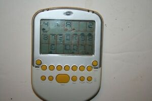 TESTED! Radica Big Screen Solitaire Electronic Handheld Game 2008 Yellow White