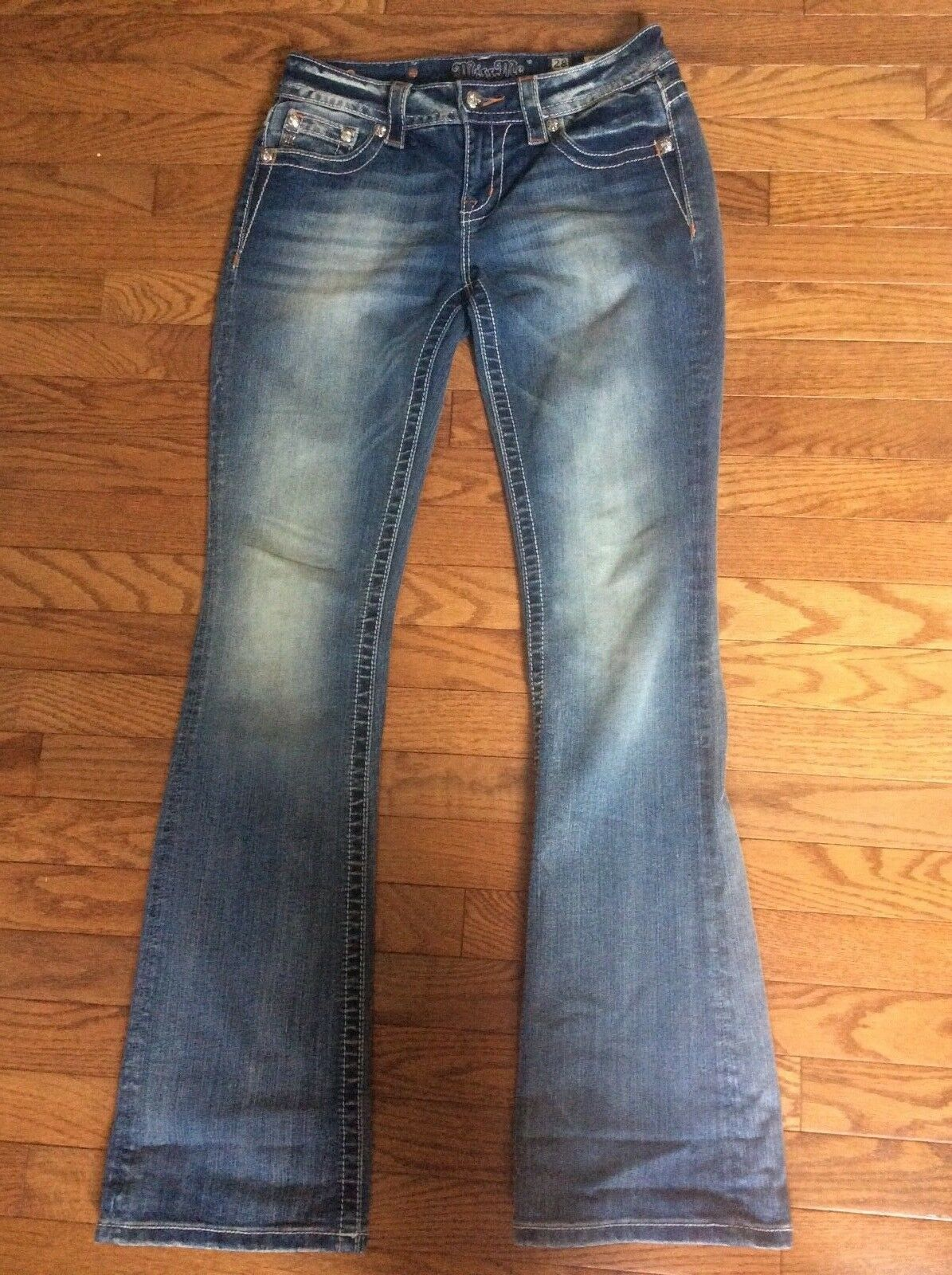 NWOT  Miss Me Jeans  Size 28 34