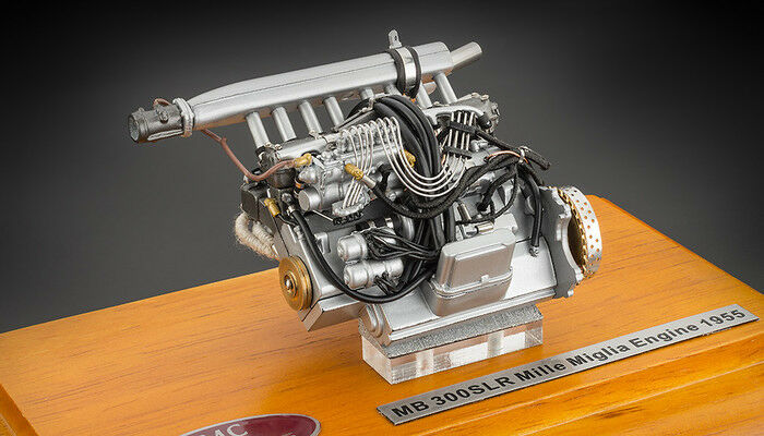 CMC M-120 Mercedes-Benz 300 SLR Engine with showcase