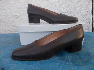 BOTTEGA-BROWN-LEATHER-amp-LEATHER-LINED-COURT-SHOES-SZ-9-MADE-IN-ITALY-VGC-IN-BOX