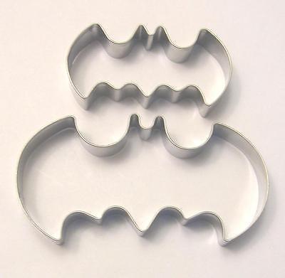"""2.5/""""  4/"""" Batman Logo Fondant Biscuit Baking Cookie Cutter Set 2 pcs"""