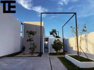 En Venta Casa en Merida Zona Norte, Diseño Unico, con Alberca