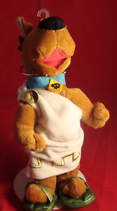 SCOODY-DOO-ROMAN-TOGA-BEANIE-PLUSH-NEW-TAGS-WARNER-BROS-STORE-WREATH-TOGA-SANDAL