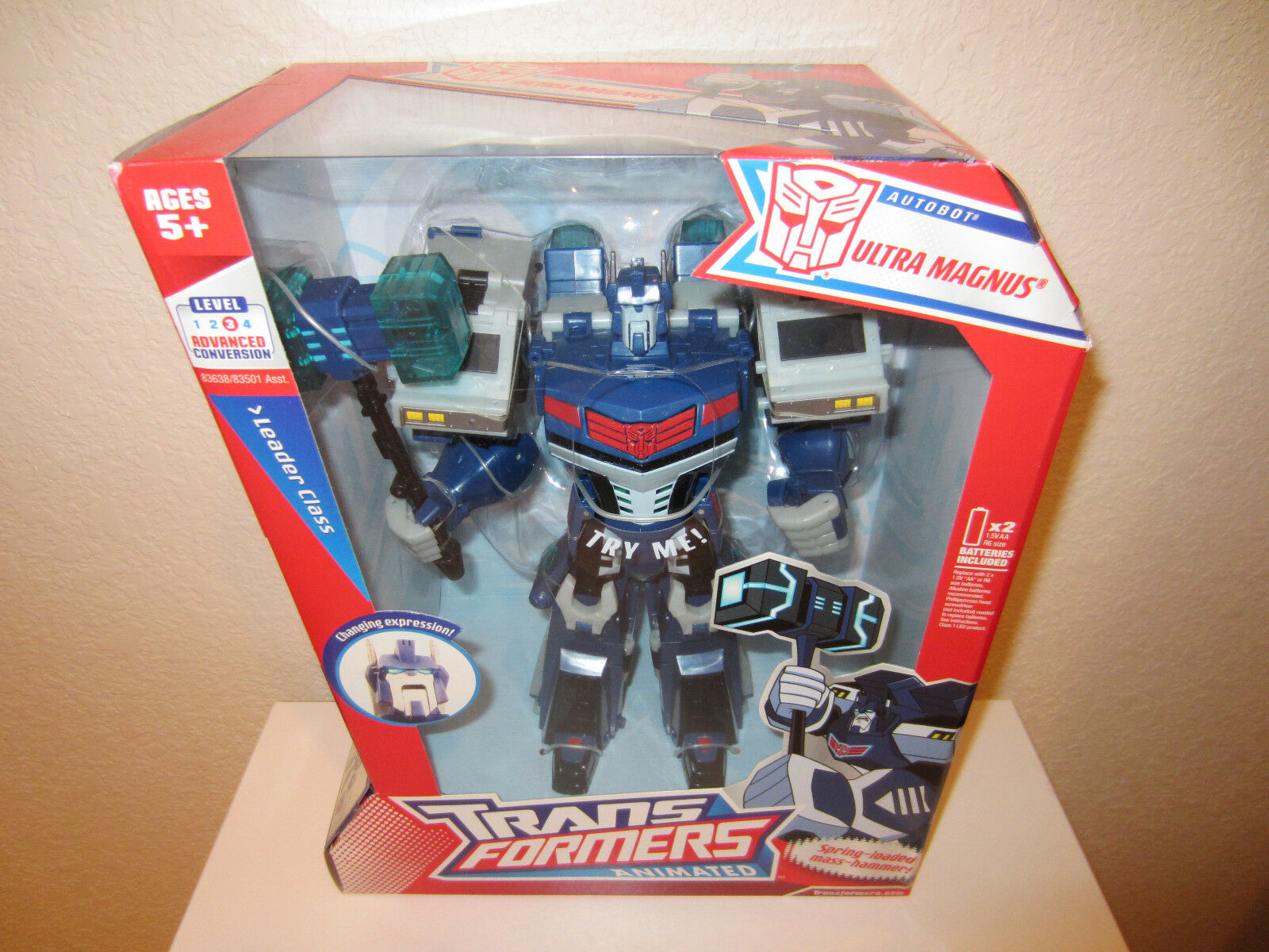 Transformers Action Figure Leader class Animated Autobot Ultra Magnus 2007 MISB