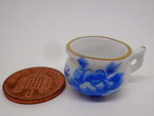 1:12 Scale Dolls House Miniature Blue Ceramic Potty Accessory