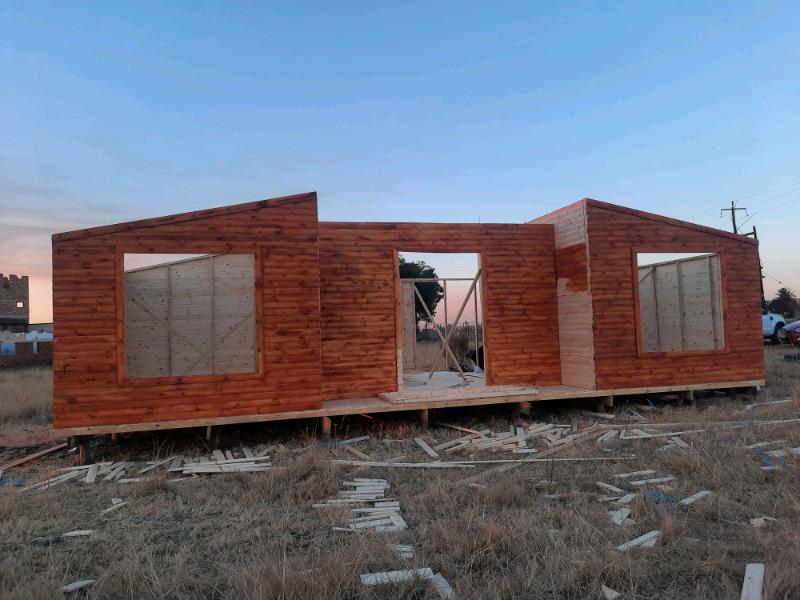 50 Spuares Log Cabin