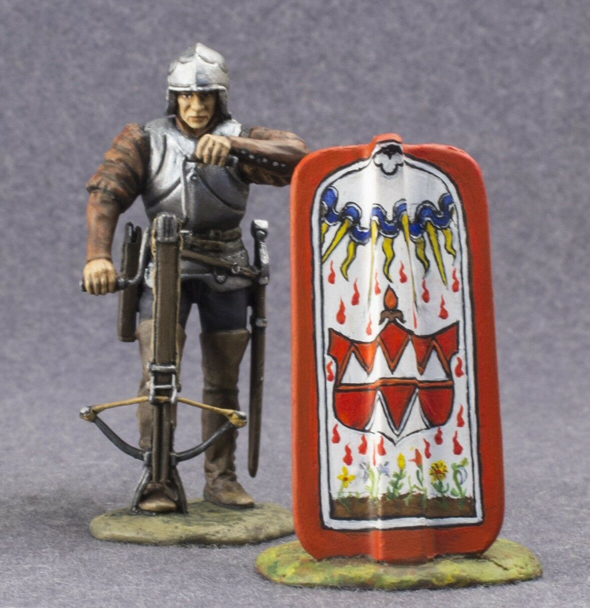 Metal Crossbowman Knight Arbalester 54mm Painted Toy Soldier with Crossbow 1 32