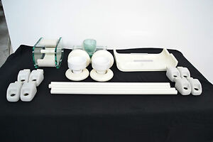Bois De Rose Arredo Bagno.Dettagli Su Bellissimo Set Da Bagno Mai Montato Legno Bois De Rose Ceramica E Vetro Anni 60