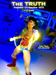 MEZCO Wonder Woman Custom Lasso Of Truth 1/12 Scale Posable/UV Reactive/GITD