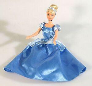walt disney cinderella barbie doll w dress ebay. Black Bedroom Furniture Sets. Home Design Ideas