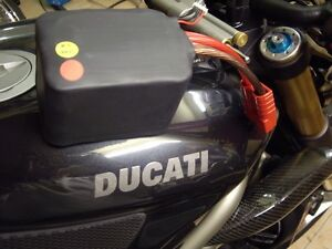 LiFePO4-RACING-LIGHT-LITHIUM-BATTERY-HONDA-DUCATI-KTM-APRILIA-KAWASAKI-YAMAHA