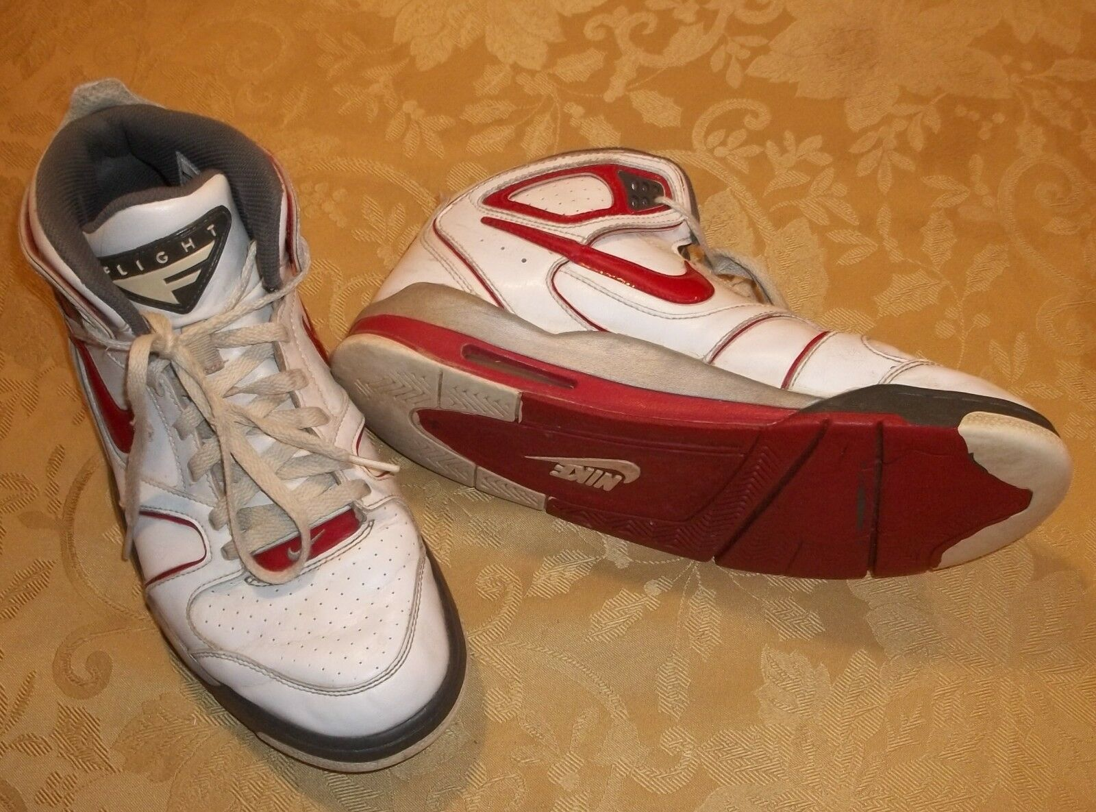 Mens NIKE AIR FLIGHT~WHITE RED SNEAKERS~size 9.5~Athletic Shoes Running