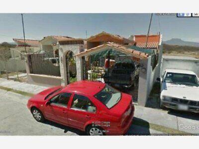 Casa en Venta en COLINAS DE URIANGATO