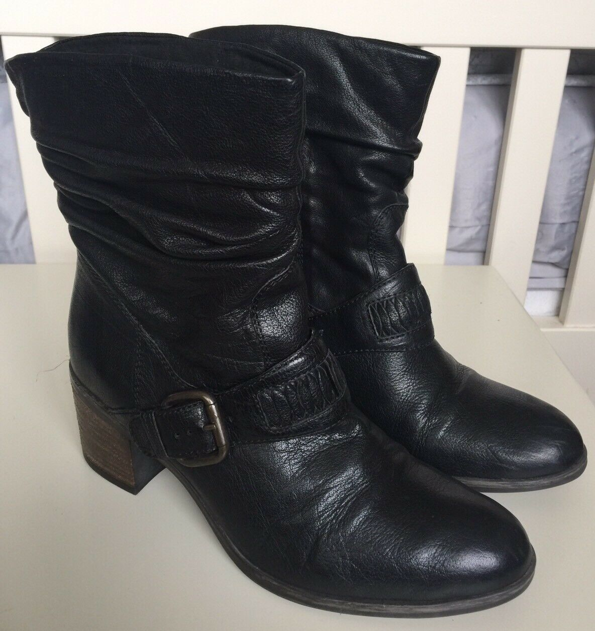 Clarks Ladies Ankle Boots Size 6 Same Day Post