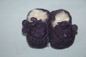 NORO-Chaussons-Pompon-bebe-tricotes-main-Violine-3-mois-neuf