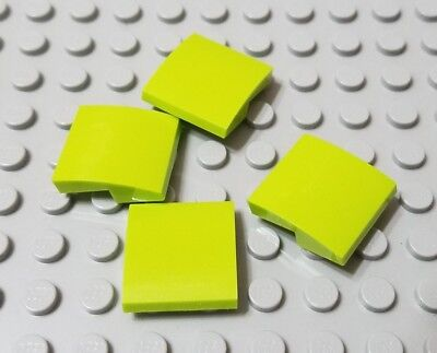 LEGO Lot of 2 Green 4x4x2 Curved Slope Pieces