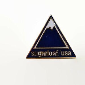 Vintage-Sugarloaf-USA-Maine-Skiing-Ski-Enamel-Souvenir-Pin