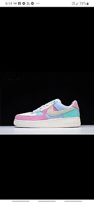 cepillo Mar Listo  AIR FORCE 1 EASTER 18 MENS SHOE - WHITE/PINK/BLUE This Nike Air Force 1 Low  feat | eBay