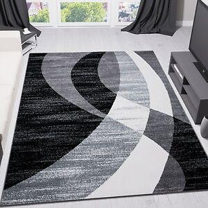 alfombra de diseño moderna de pelo corto gris negra y blanca a rayas