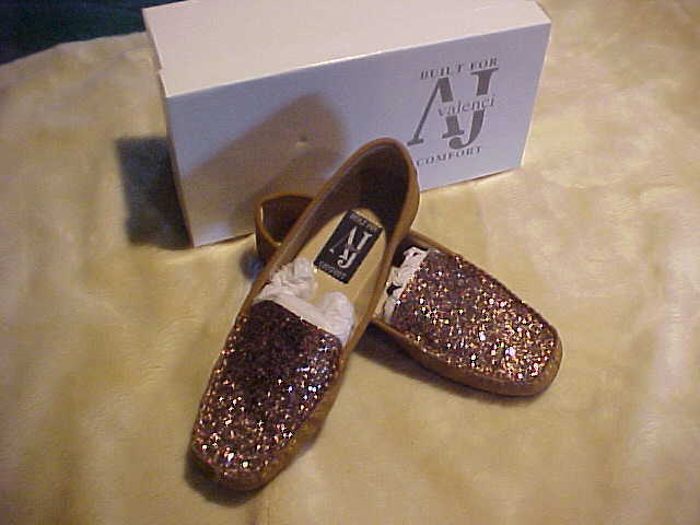 NEW WOMANS A J VALENCI SLIP ON  LOAFER WITH SEQUIN UPPER SIZE 7 W COLOR BRONZE