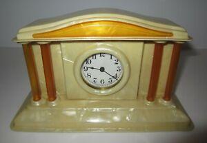 Antique-Vintage-Wind-up-30-Hour-Desk-Clock-made-in-USA
