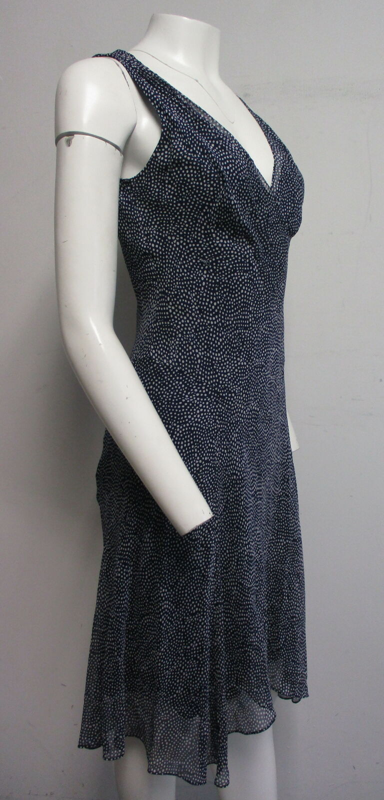 DIANE VON FURSTENBERG Dita 100% silk navy blue & … - image 4