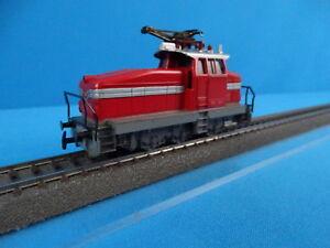 Marklin-3044-DB-Electric-Locomotive-Br-EA-800-RED