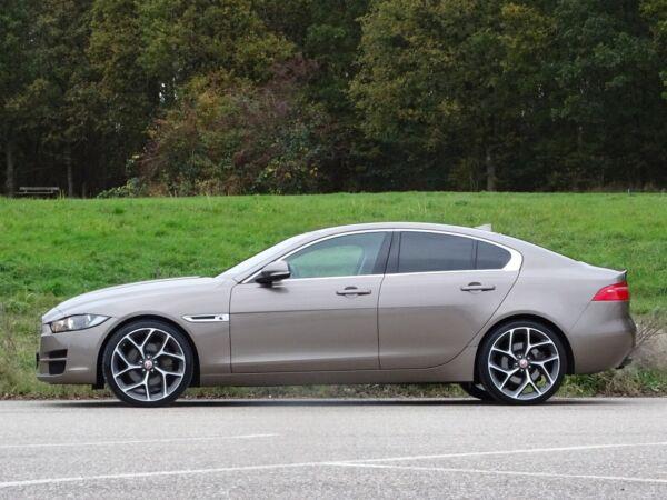 Jaguar XE 2,0 P200 Pure aut. billede 2
