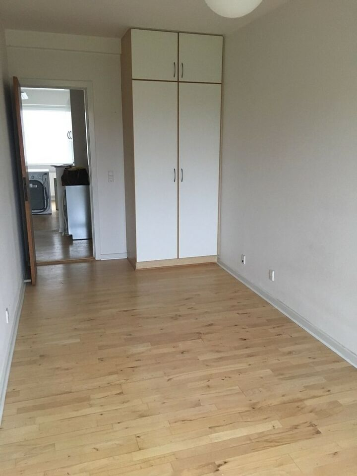 8000 3 lejlighed, 84, Langenæs Allé