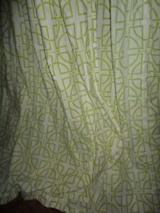 Chandler Collection Green White Geometric Smocked 2