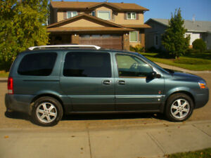 2006 Saturn Relay--Great Family Vehicle!