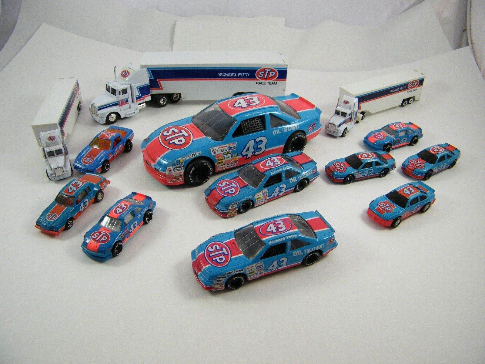 RICHARD PETTY  STP RACING  TRANSPORTERS AND CARS