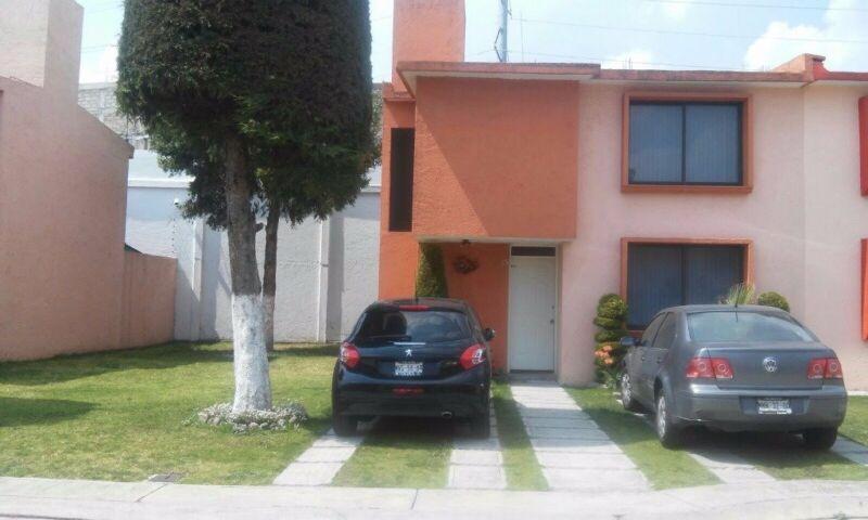 Hermosa Casa en Renta dentro de Fraccionamiento en Toluca ...