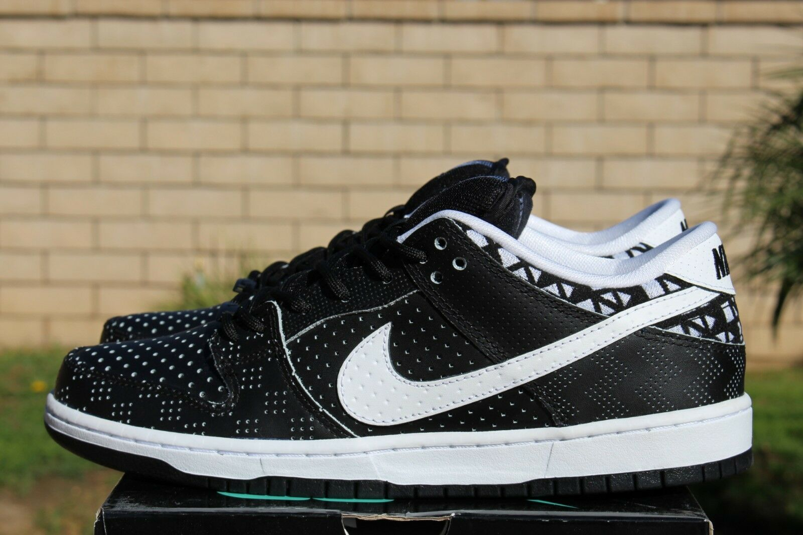 NIKE DUNK LOW PREMIUM BHM SB QS Price reduction