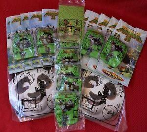 Carl S Jr Kids Happy Meal Lot Of 12 Toys 10 Kids Meal Bags Kung Fu Panda 3 Toy Ebay