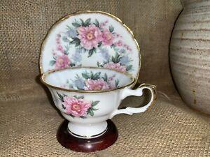 Royal Bone China Pink Roses Teacup & Saucer