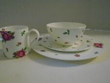Royal Albert New Country Rose 4 Piece Dinner Salad Plate Setting Plate Bowl Mug