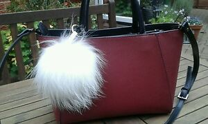 BNWT-WINTER-WHITE-POM-POM-SNOWBALL-BAG-CHARM-KEY-RING-GIFT