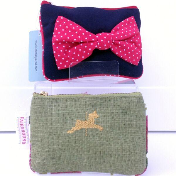 2 Commercio Equo E Solidale Portamonete Earth Squared Navy Bow-tagliati & Giostre Floreale/lino Per Migliorare La Circolazione Sanguigna