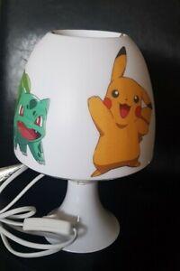 Pokémon Tischlampe Pikachu Kinderzimmer Deko Lampe Schreibtischlampe Serviette