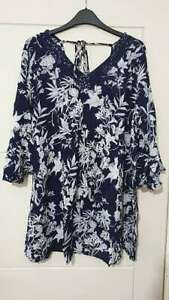 NEW-Ex-store-Ladies-PLUS-SIZE-Navy-Blue-Floral-Top-with-Tie-back-Size-16-22