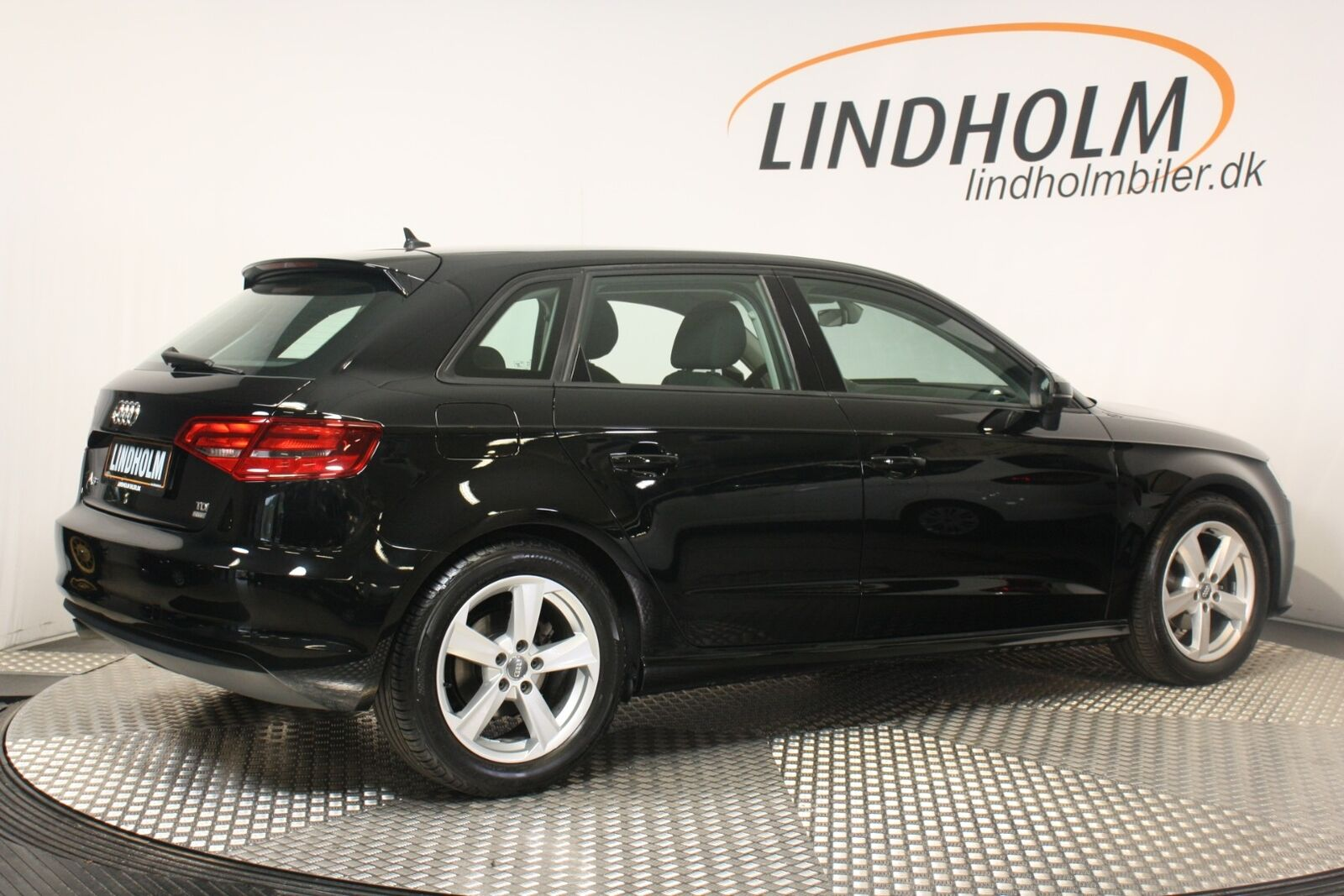 Audi A3 TDi 110 Ultra Attraction Sportback