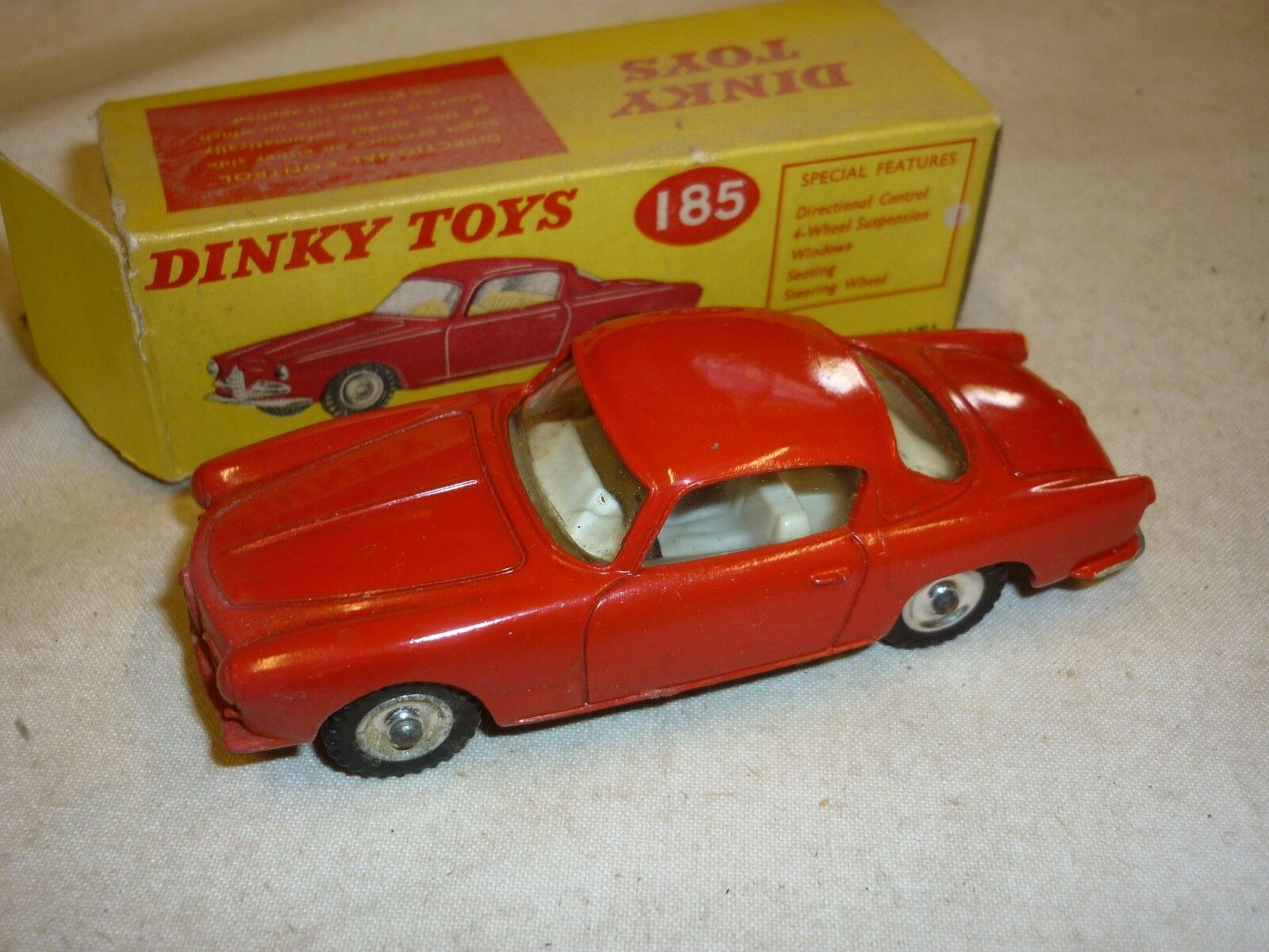 DINKY TOYS 185, ALFA ROMEO 1900 SUPER SPRINT, boxed.