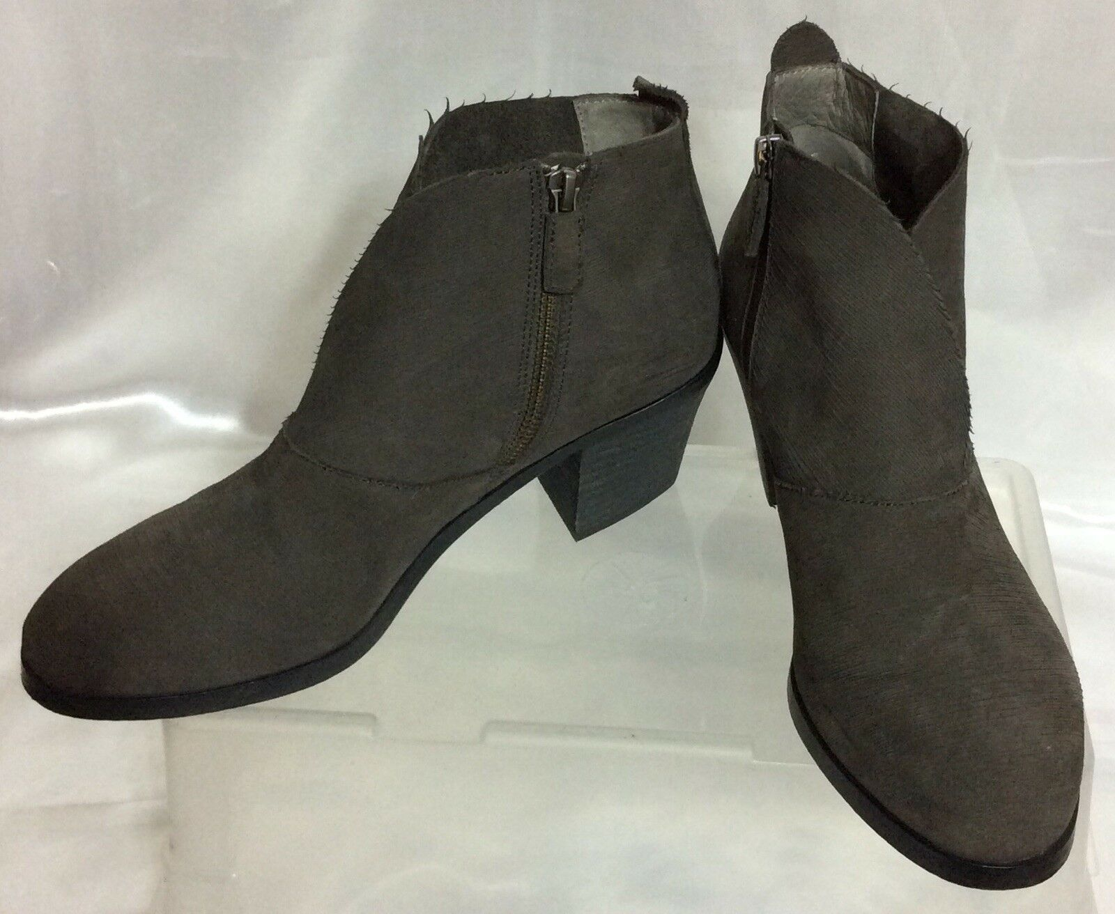 EILEEN FISHER  Grey Soft Soft Soft Leather Ankle Boots Women's Sz 7.5 b58483