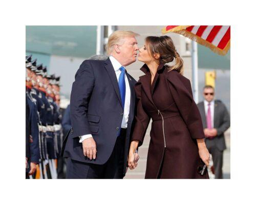 Donald Trump 8x10 photo image kissing wife Melania president 2020 gop