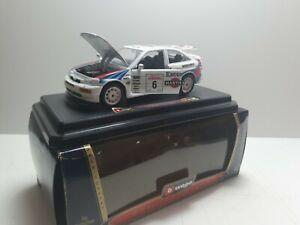 Burago-Ford-Escort-RS-Cosworth-1-24-Rally-Coleccion-de-1994-VIP-hecho-en-Italia-F1