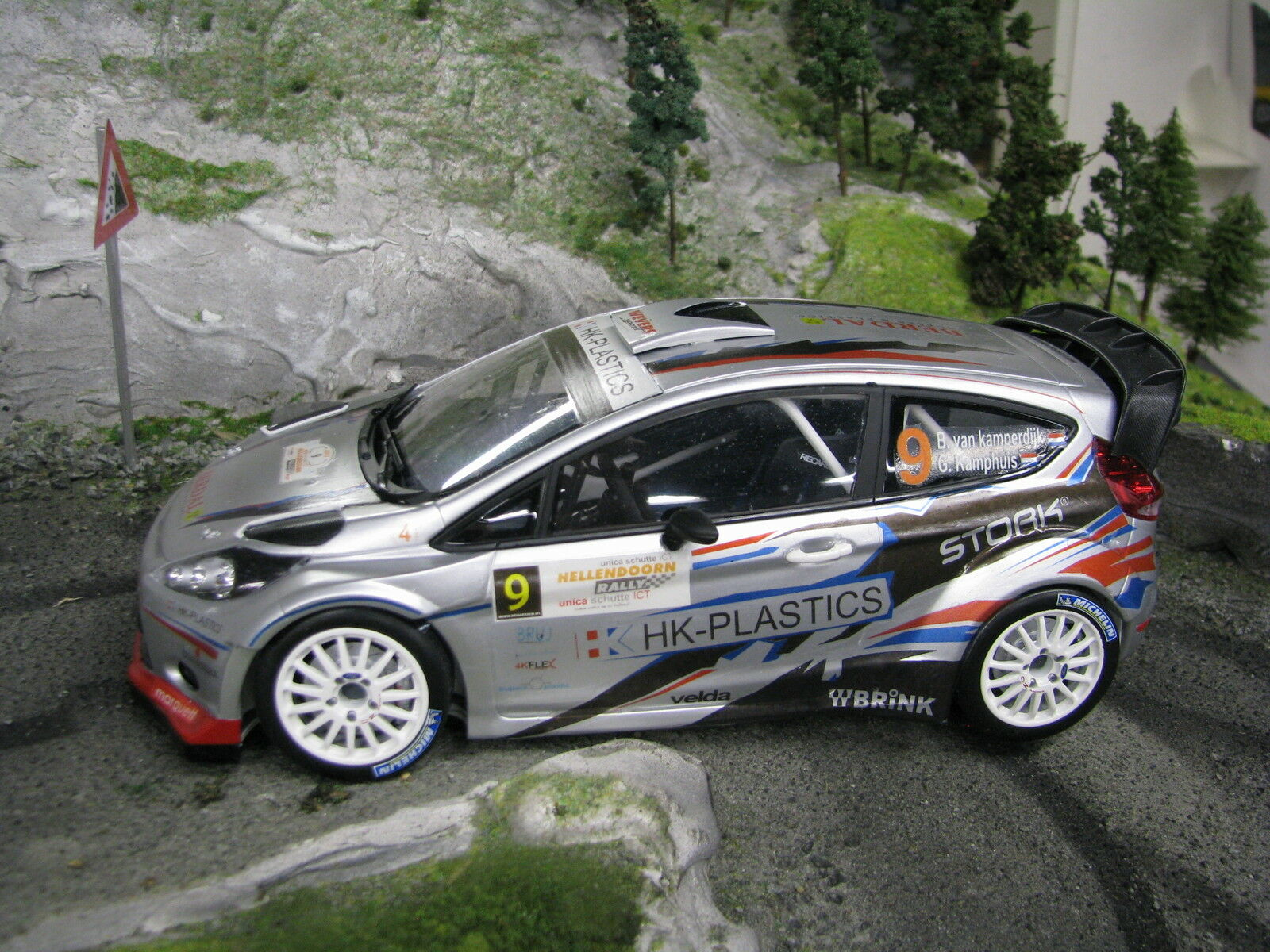 Minichamps Ford Fiesta RS WRC 2013 1 18 18 18  9 v. Kamperdijk   Kamphuis (MCC) 563