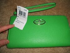 AUTHENTIC Coach GREEN leather WALLET/WRISLET (EUC)