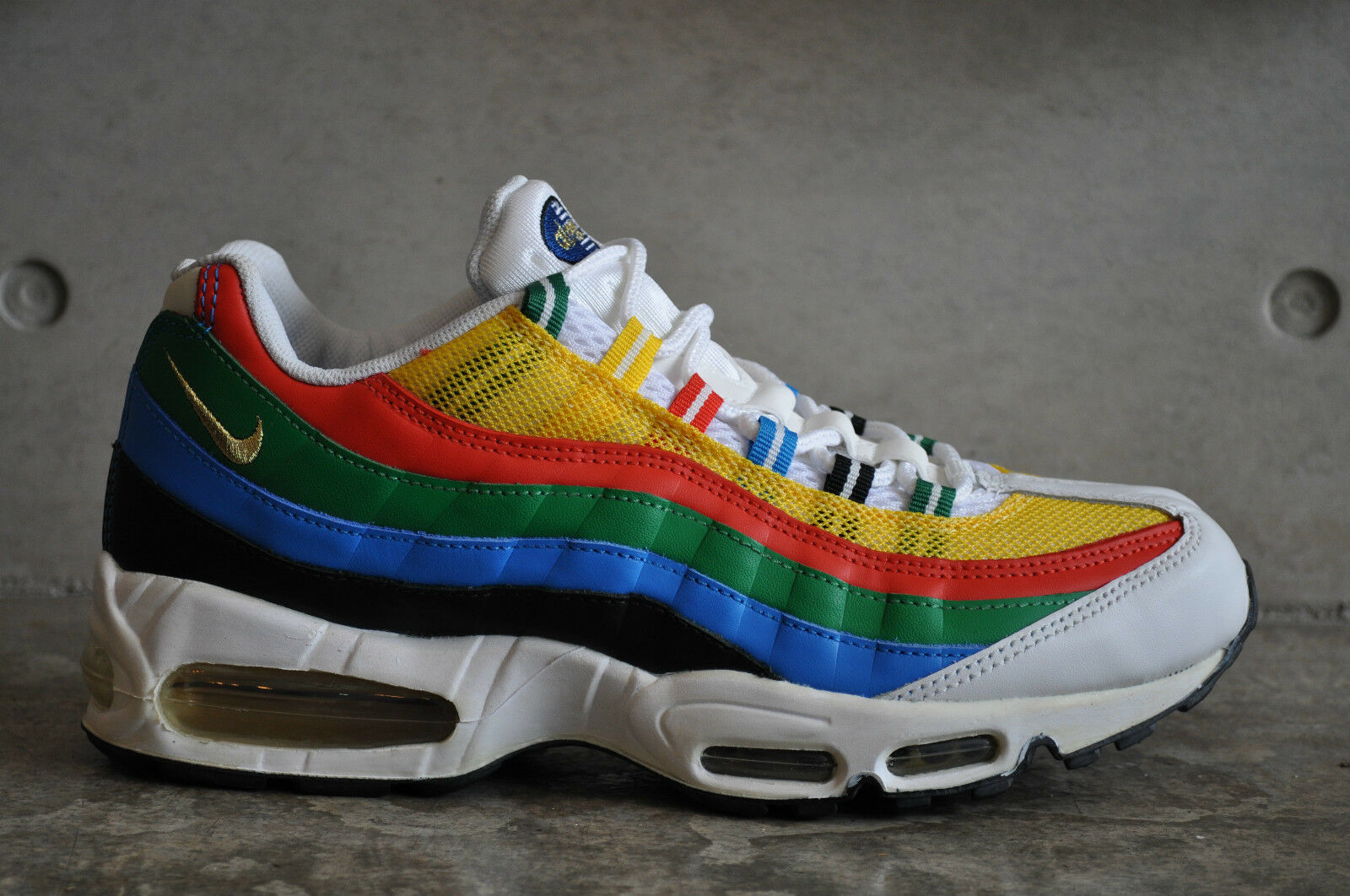Nike Air Max 95  Olympic  2004 - Wht Met gold-Chle Rd-Photo blue